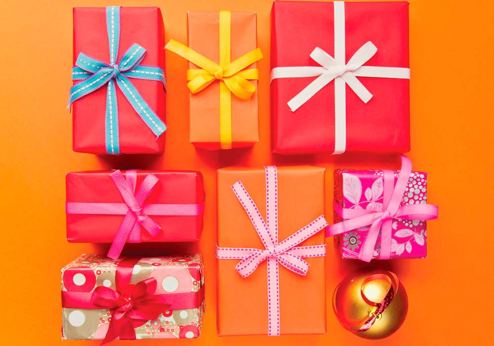 Do You Give Presents Or Gifts Here S The Difference Everything